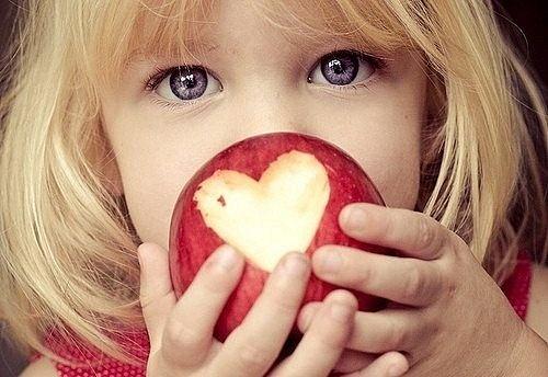 нужна ли любовь ребенку