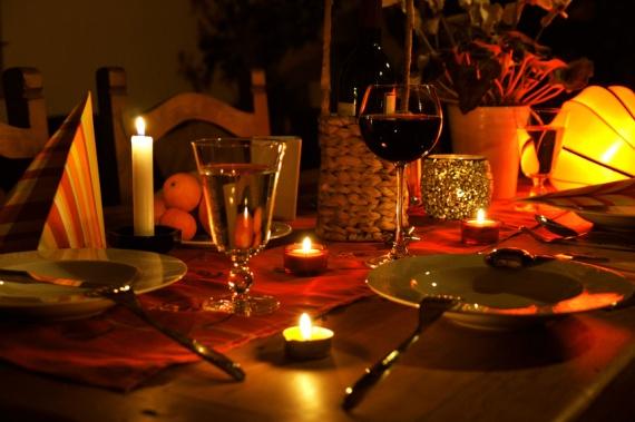 Как подготовиться к романтическому ужину у себя дома?