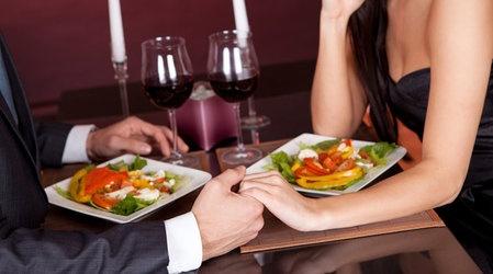 Подготавливаемся к романтическому ужину у себя дома
