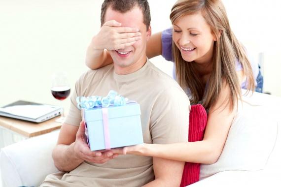 Что подарить своему возлюбленному, чтобы удивить его?