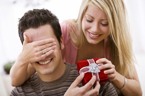 Покупаем подарок своему любимому. Часы, телефон, компьютер
