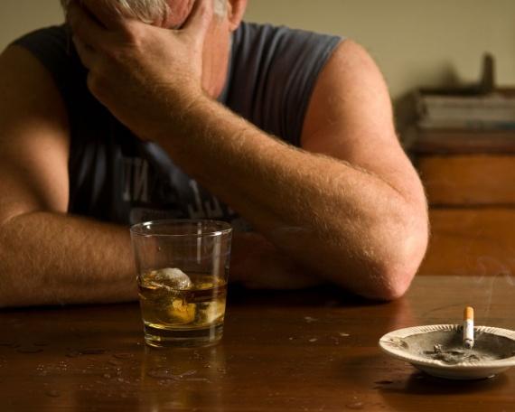 Психологическая зависимость от алкоголя. Как побороть?