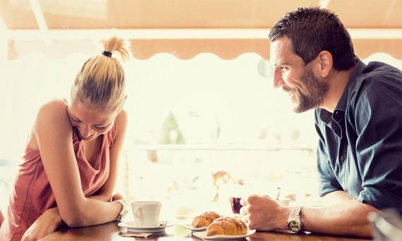 Как правильно общаться с девушками?